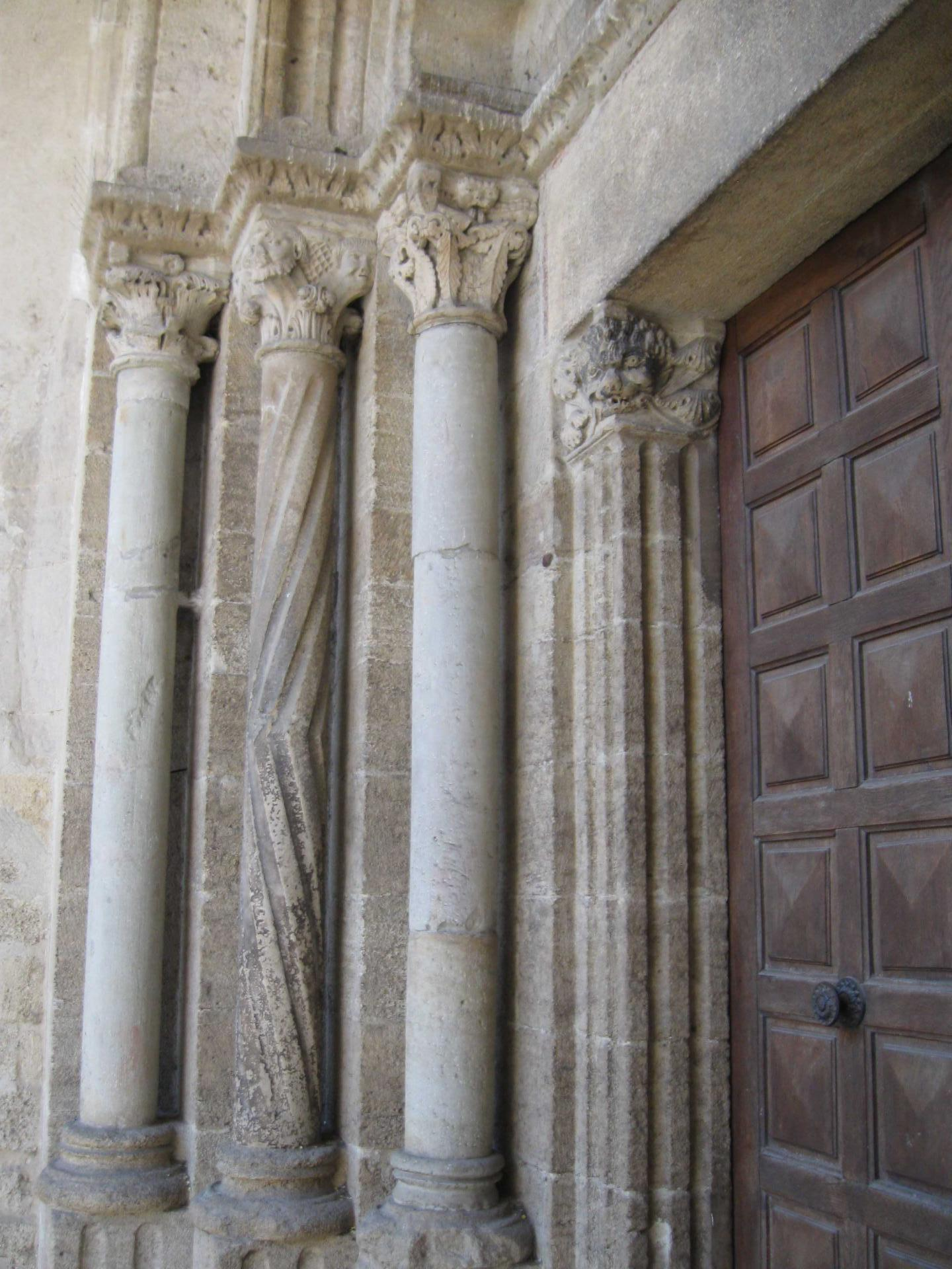 Etoile-Eglise (17)-Porche Nord