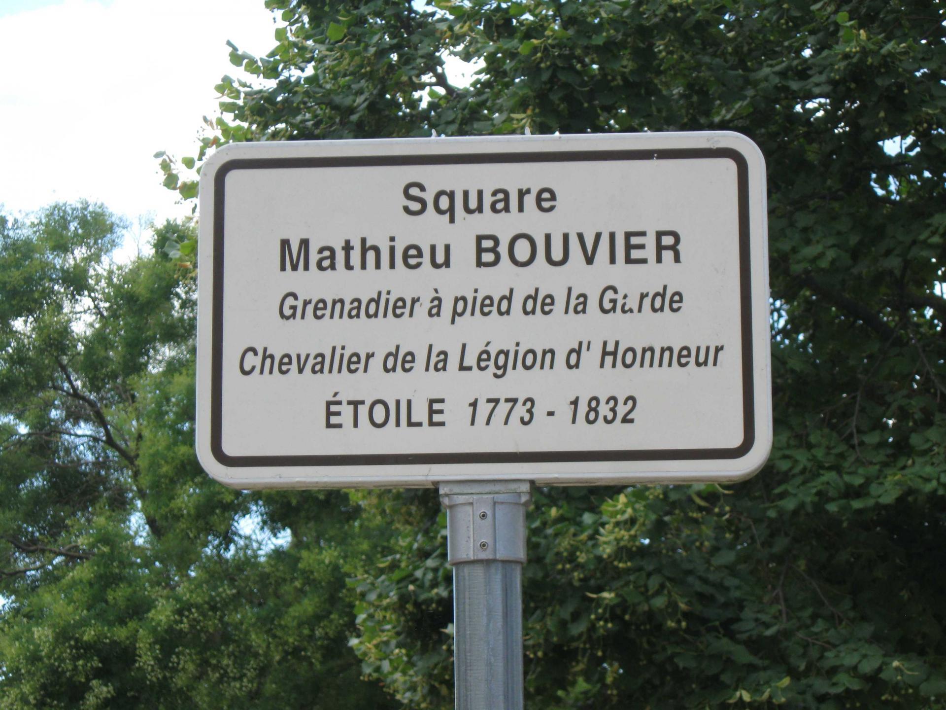 Square Mathier BOUVIER